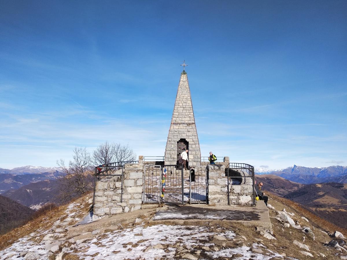 Triangolo Lariano: il Monte Palanzone