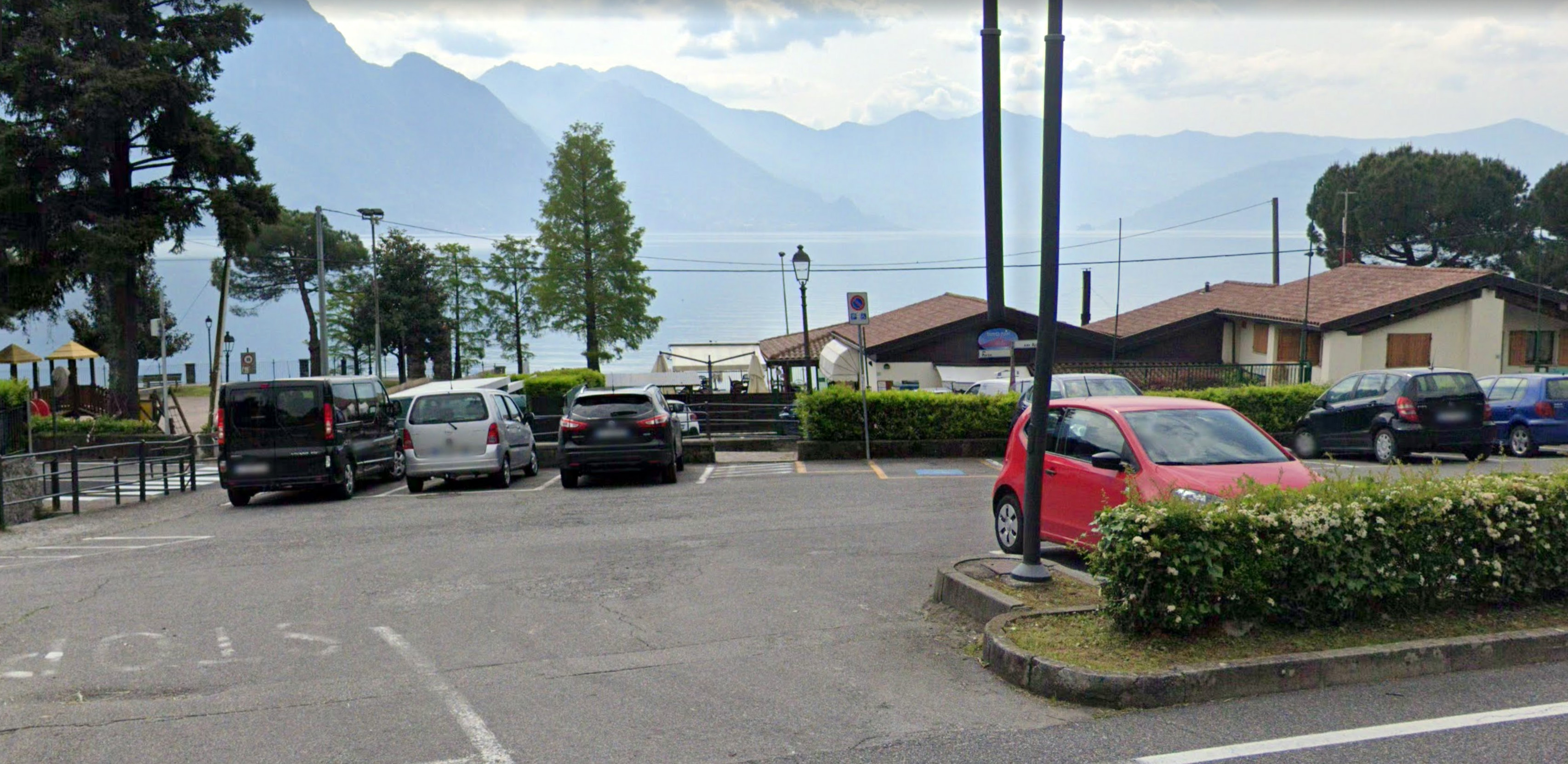 Riva di Solto_parking 4